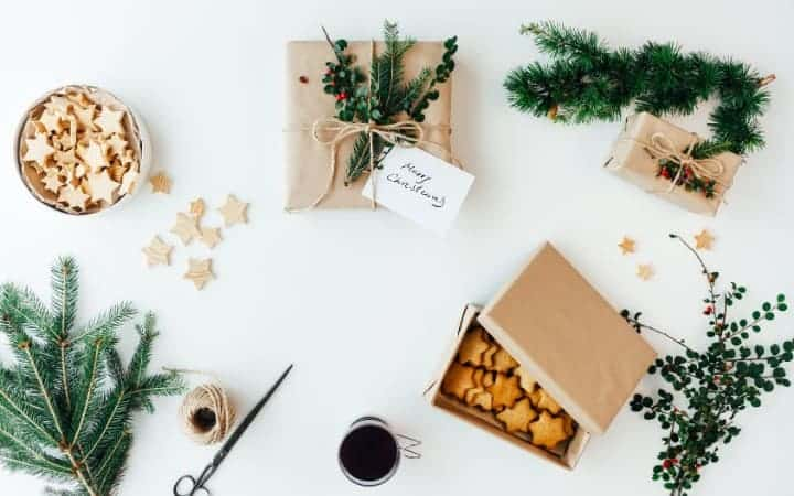Sweet and free christmas ideas in a box