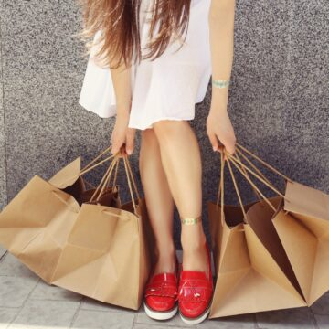lady shopping, holding shopping bags