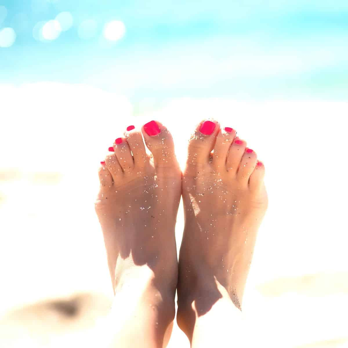 Selling feet pictures on Instantfeet